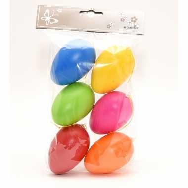 24x stuks paaseieren hangdecoratie pasen thema vrolijke kleurenmix 8 cm