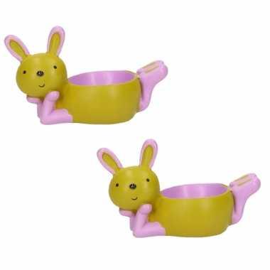 2x stuks eierdopjes liggende konijn/haas groen/paars 10 x 6 cm
