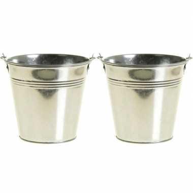 2x zinken emmertjes/bloempotjes zilver 15 cm hoog