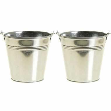 2x zinken emmertjes/bloempotjes zilver 16 cm hoog