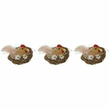 3x paasdecoratie bruine kippen in nest 8 cm dierenbeelden
