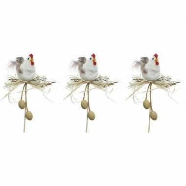 3x paasdecoratie witte kippen in nest 12 cm dierenbeelden op stekertj