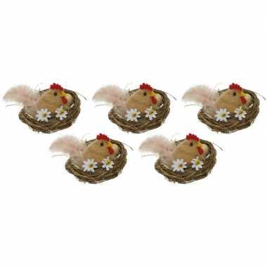 5x paasdecoratie bruine kippen in nest 8 cm dierenbeelden