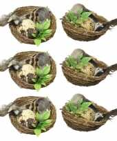 6x decoratie vogels in vogelnest pasen 6 cm dierenbeelden
